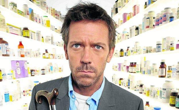 Hugh Laurie interpretó al doctor House.