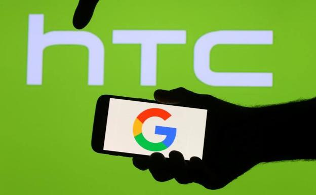 Logos de HTC y Google./Reuters