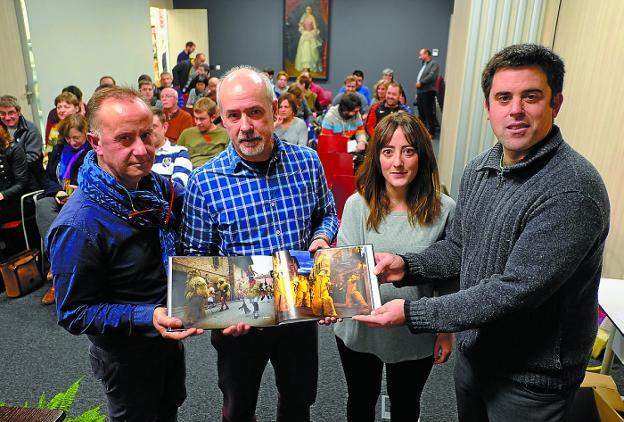 En el CBA. Patxi Iriarte, Josu Inziarte, Irantzu Pastor y Pello Iriarte en la presentación. /F. DE LA HERA