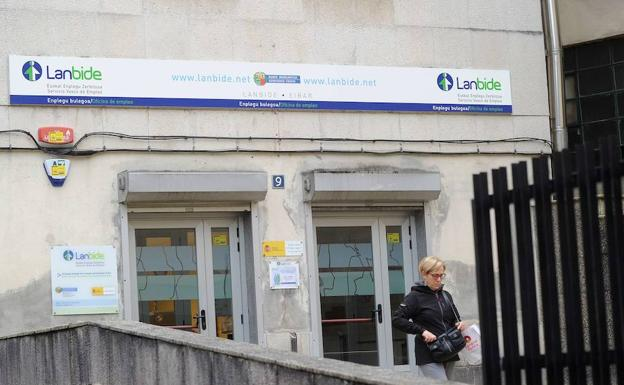 Sindicatos avisan que el gobierno vasco busca privatizar for Oficinas lanbide