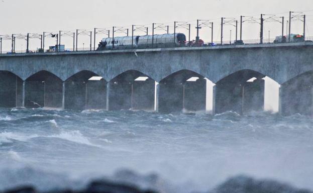 Accidente de tren en Dinamarca deja varios muertos