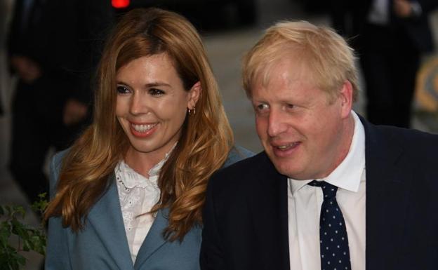 Boris Johnson y su novia Carrie Symonds fueron padres