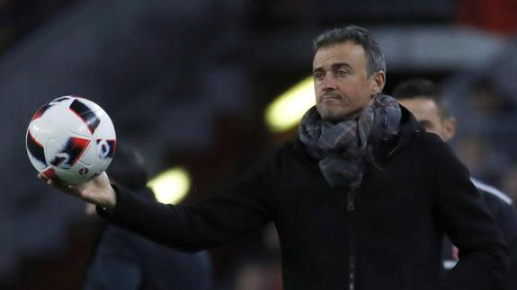 Luis Enrique, ante el Athletic. /