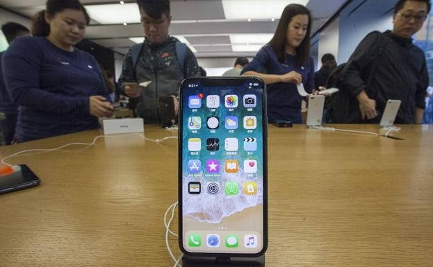 IPhone x en una tienda de Apple en China.