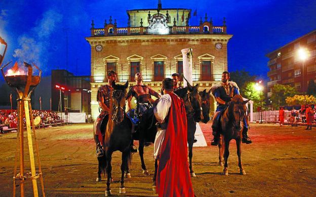 El espectáculo nocturno del circo romano en la plaza de San Juan es una de las grandes novedades de este año./FOTOS: F. DE LA HERA