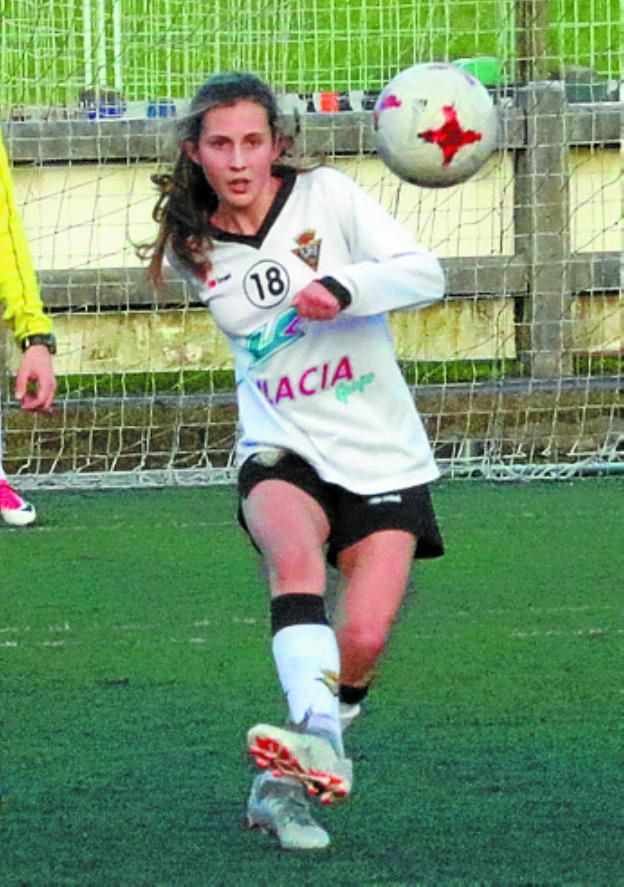 Llamamiento A Las Chicas Para Jugar Al Futbol En El Cd Zarautz El
