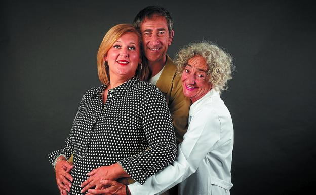 Familia. Los actores Maite Redín, Patxi Pérez y Mila Espiga protagonizan la obra./TDIFERENCIA