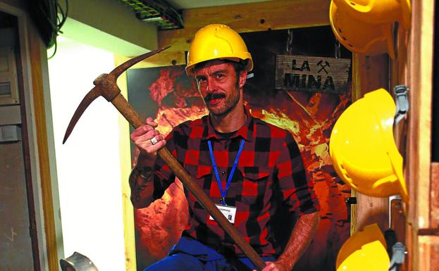 Sergio Montero en 'La Mina', preparado para trabajar y resolver todos los enigmas./F. DE LA HERA