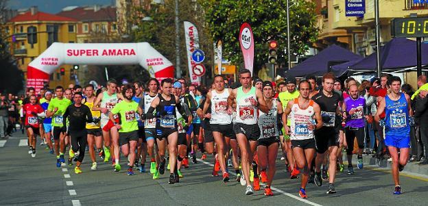 Se espera a cerca de 900 atletas para las dos carreras de mañana. /  F. DE LA HERA