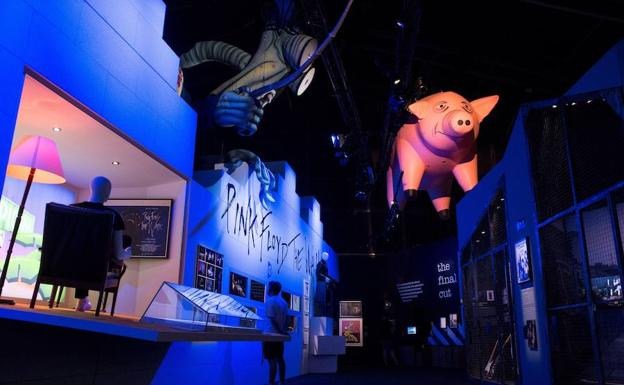 Montaje de l'The Pink Floyd Exhibition', en Madrid.