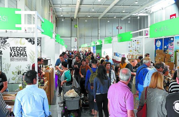 Mucho público. Bioterra recibe visitas de toda Euskadi, Navarra e Iparralde. / FOTOS: F. PORTU
