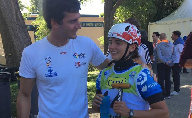 Klara, emocionada con Ander.