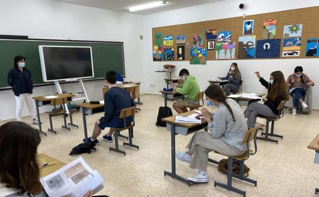 Una vuelta a las aulas más controlada que nunca por la pandemia del coronavirus | El Diario Vasco