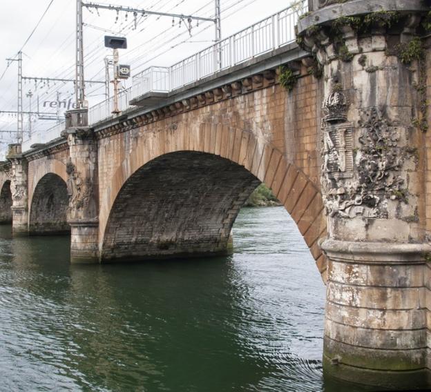 Adif adjudica la rehabilitación del puente internacional