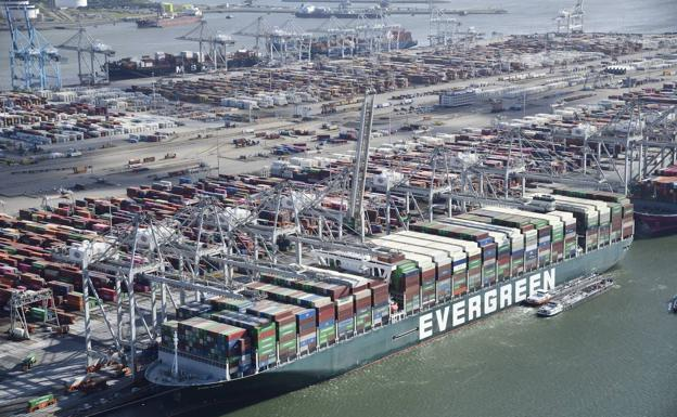 The mega-ship 'Ever Given' arrives at the port of Rotterdam.